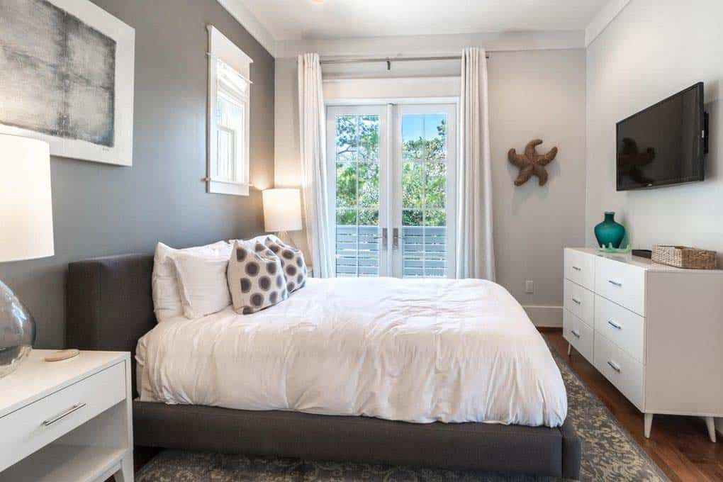 carriage-house-beach-style-bedroom