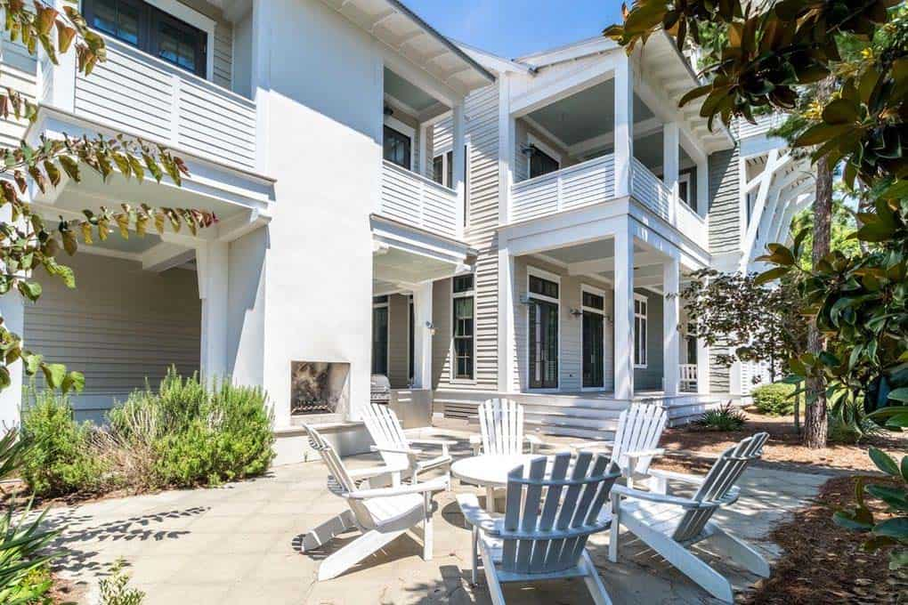 florida-beach-house-exterior-patio