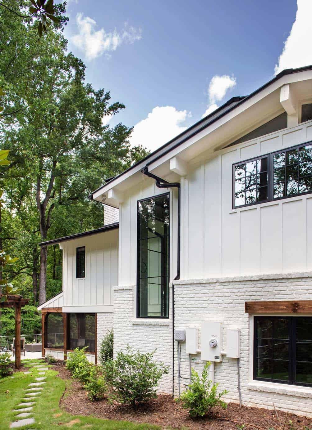 ranch-home-contemporary-landscape