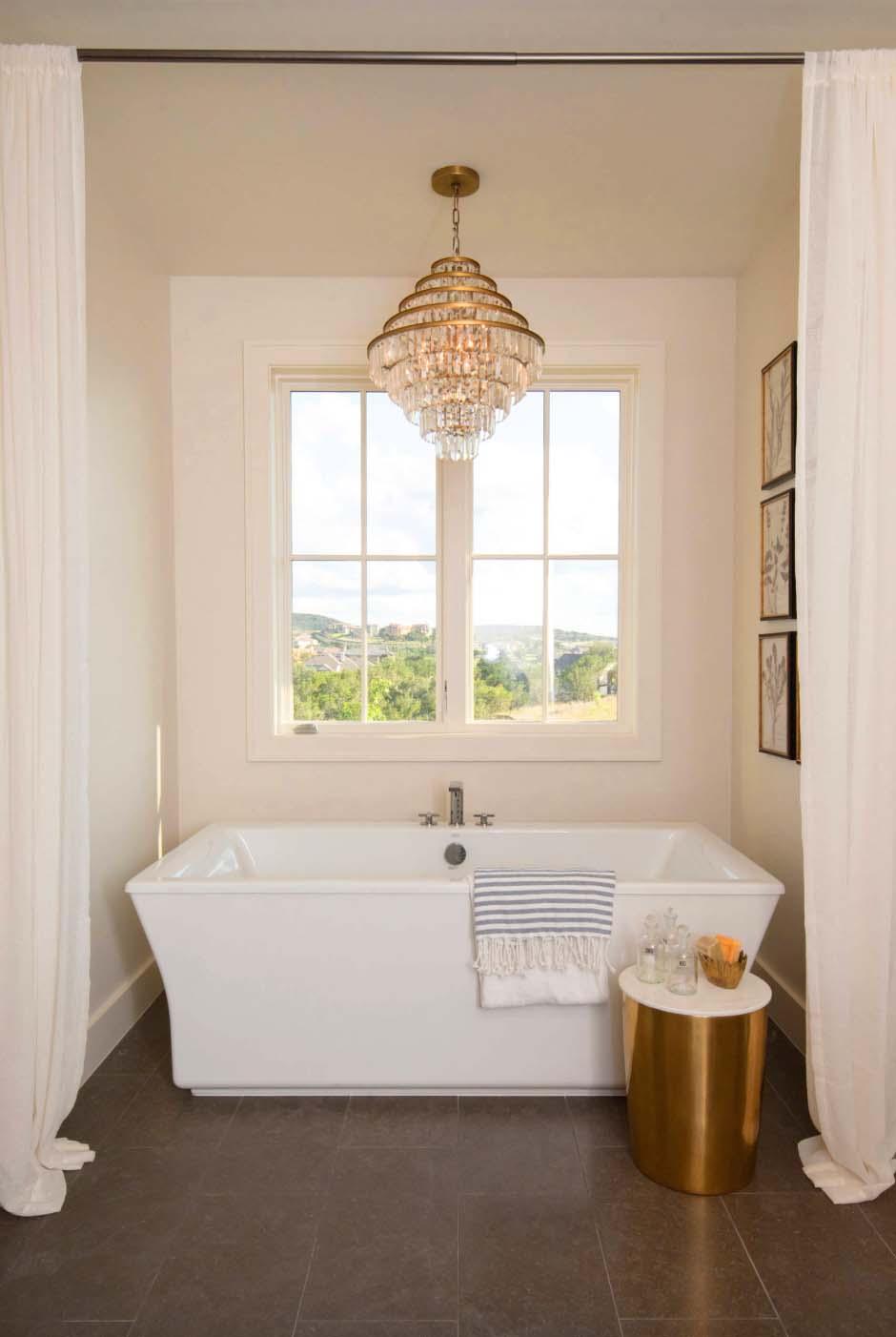 farmhouse-style-bathroom-tub