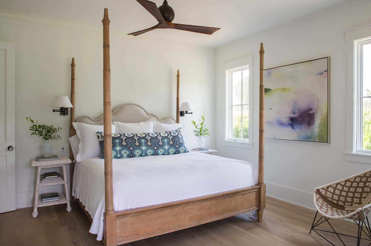cottage-beach-style-bedroom
