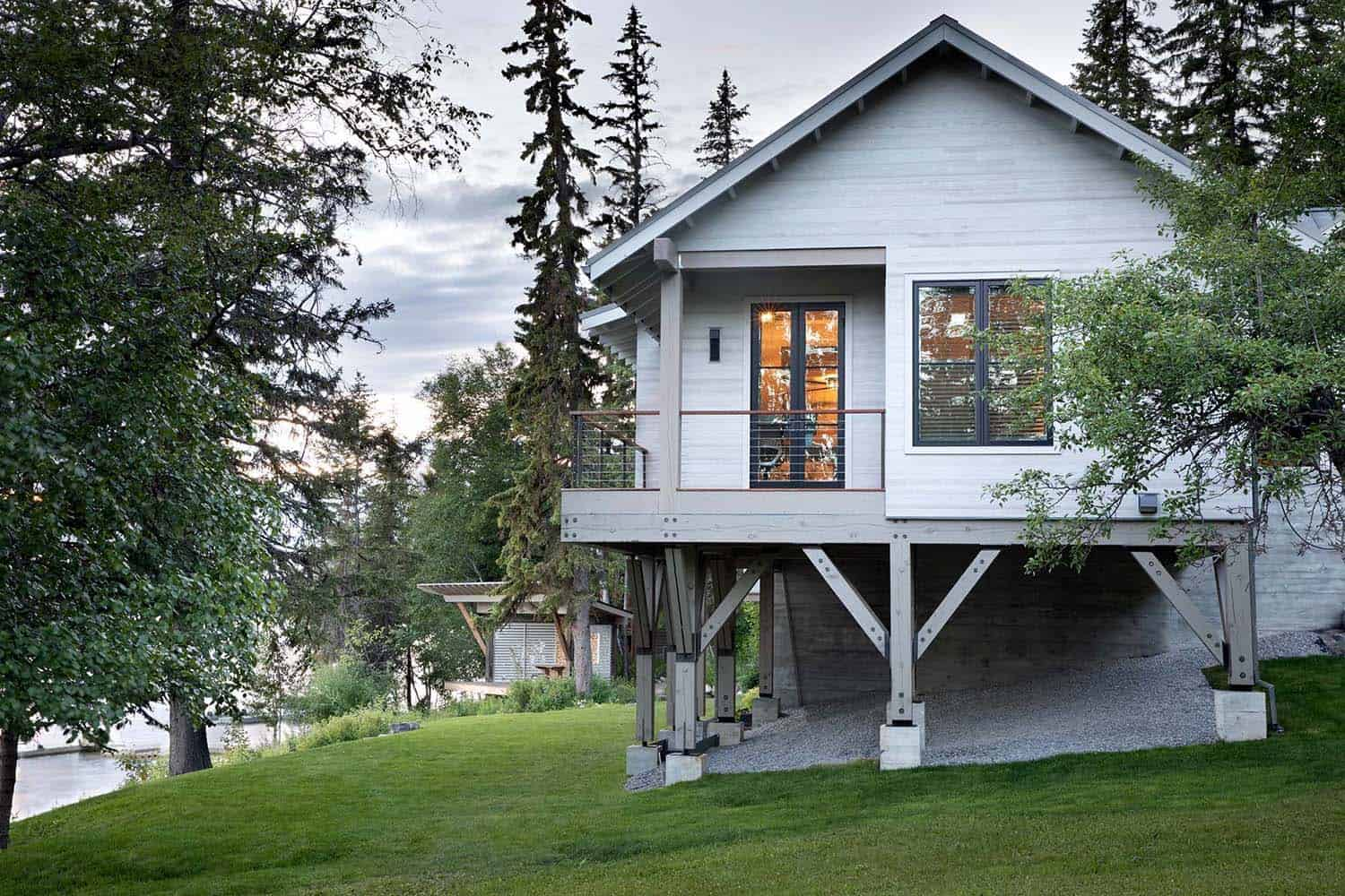 modern-rustic-lake-house-exterior