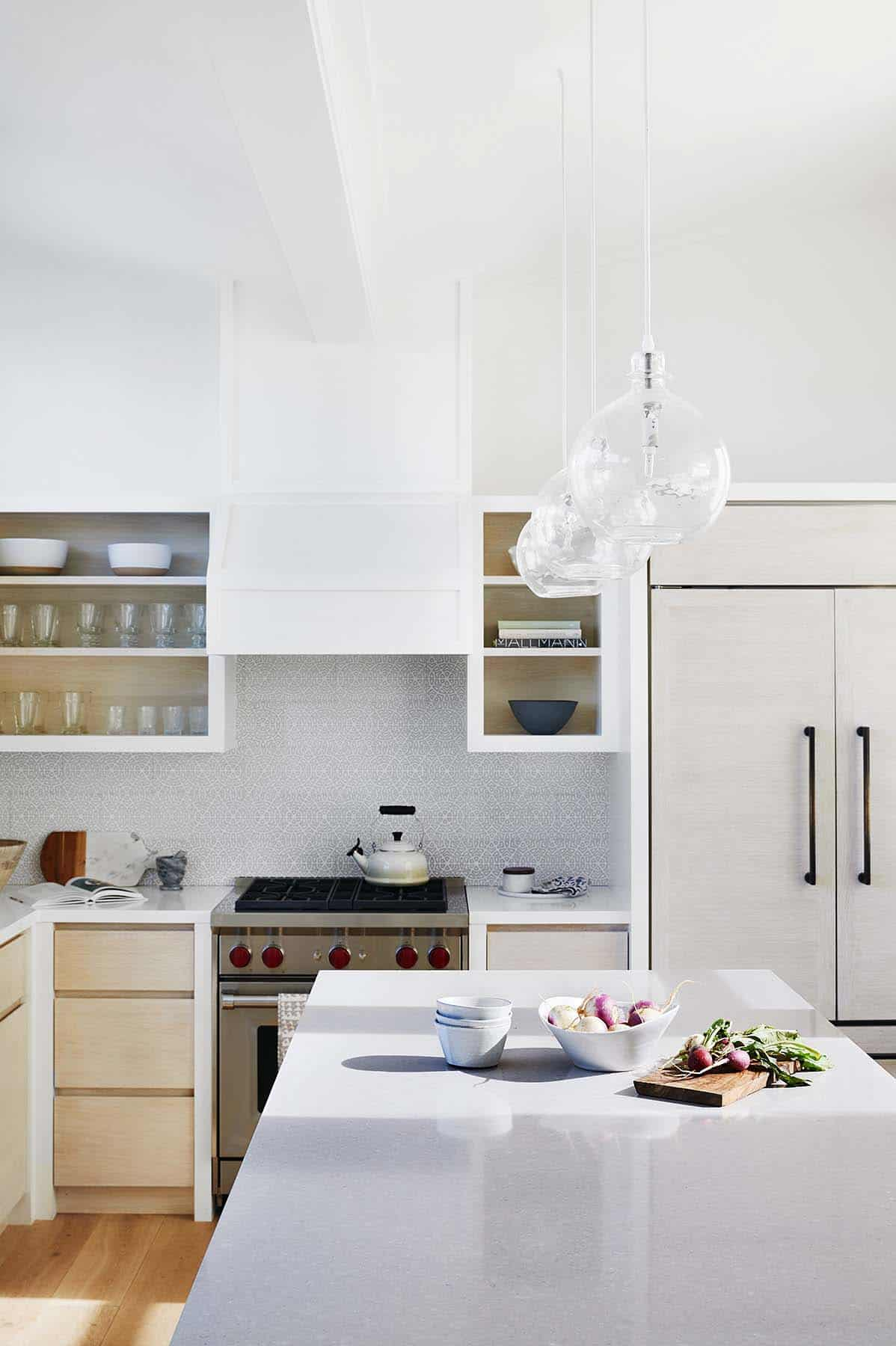 stinson-beach-house-beach-style-kitchen