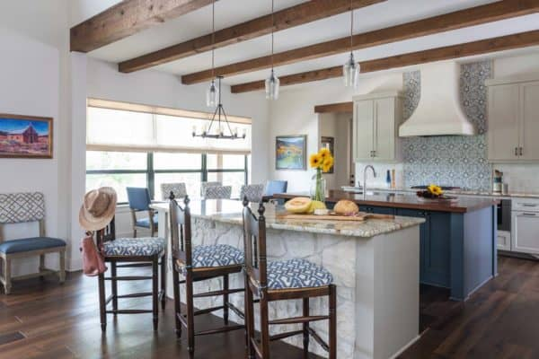 featured posts image for Warm and inviting Southwestern style home in Texas Hill Country