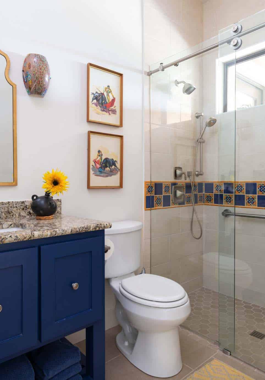 southwestern-style-bathroom