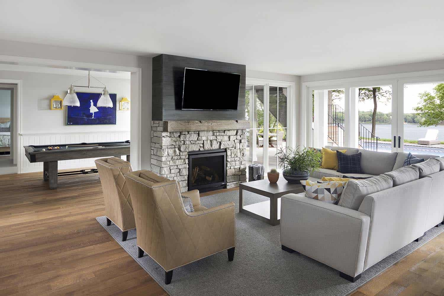 traditional-style-family-room