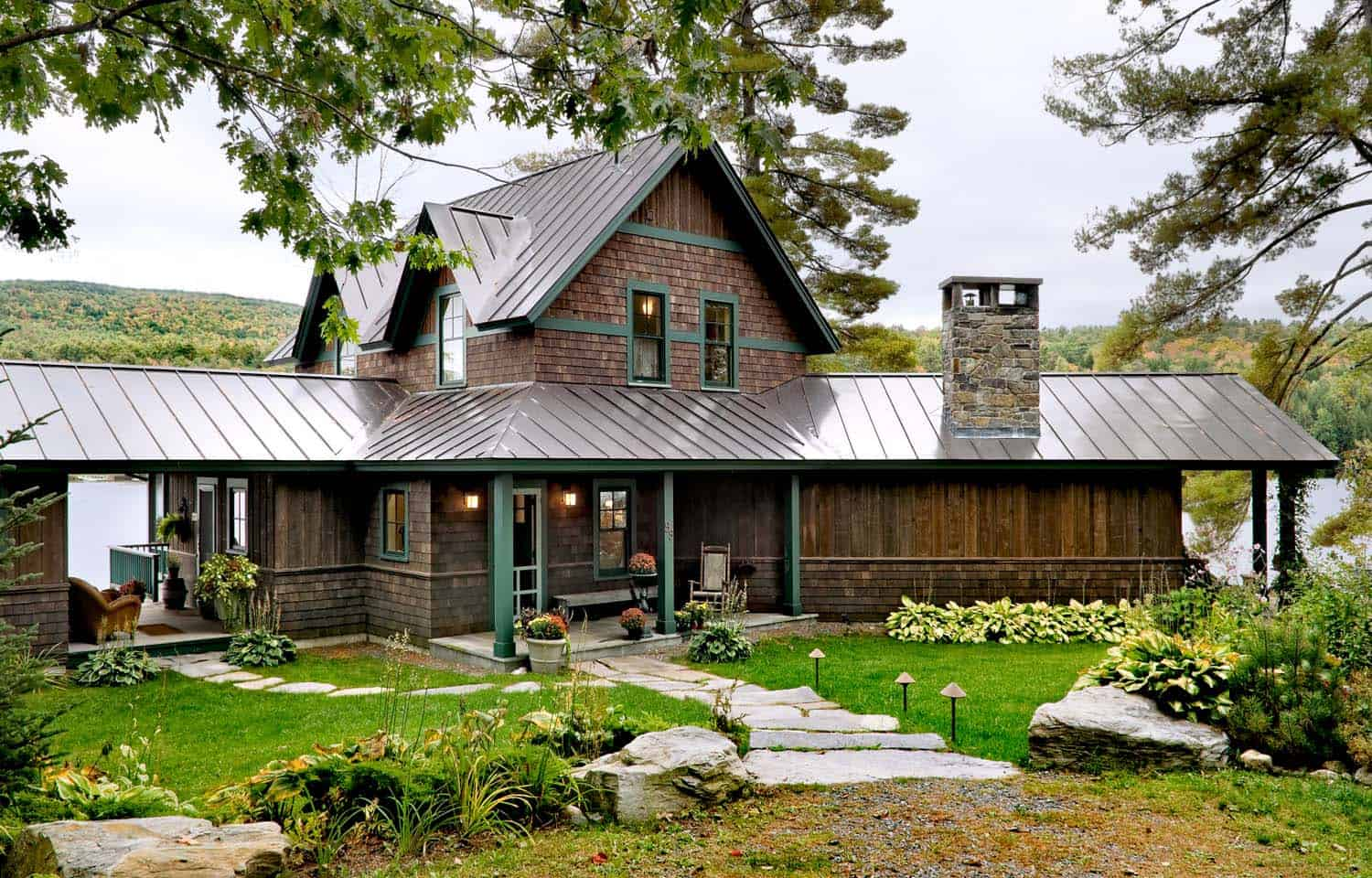 lake-house-transitional-exterior