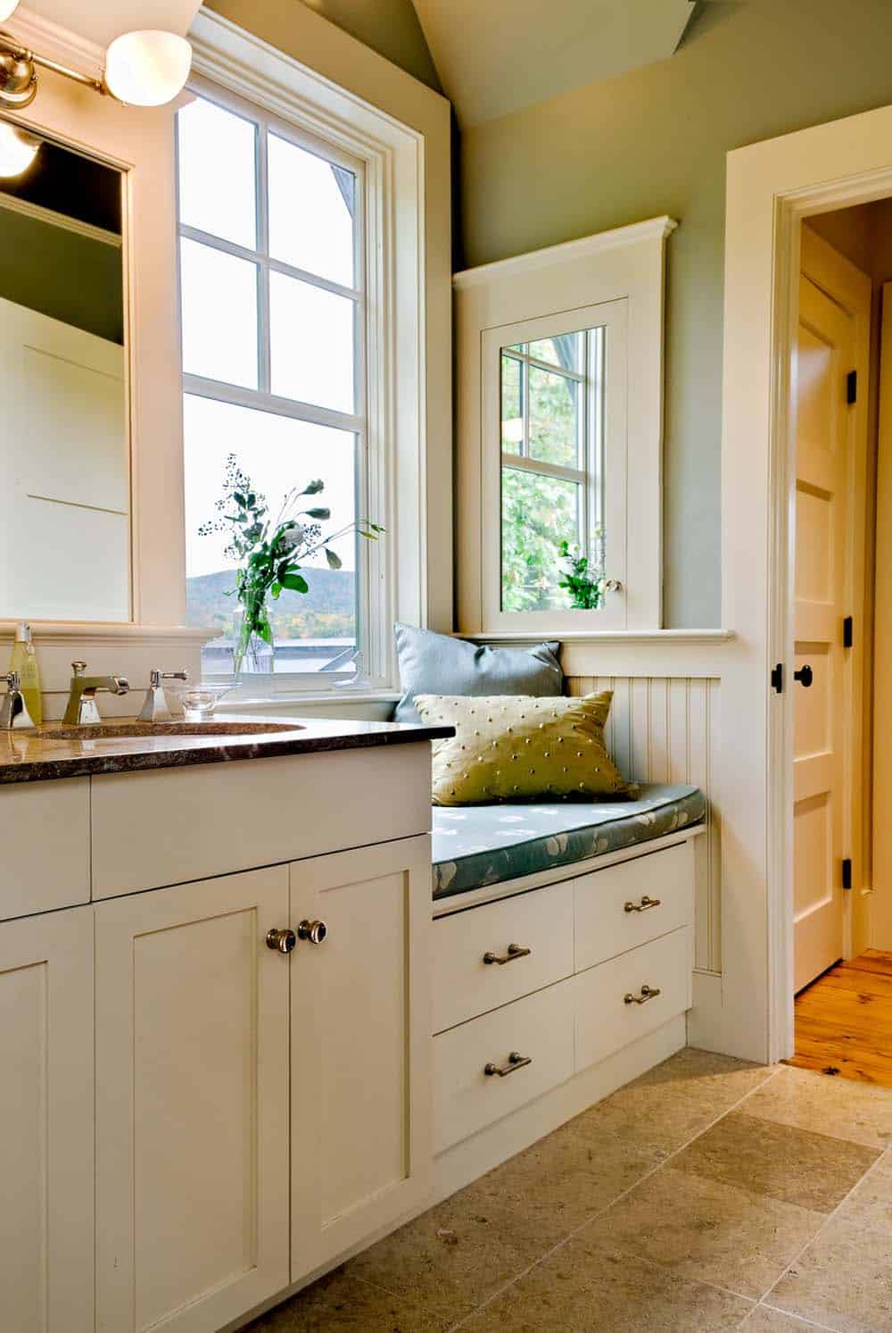 lake-house-transitional-bathroom