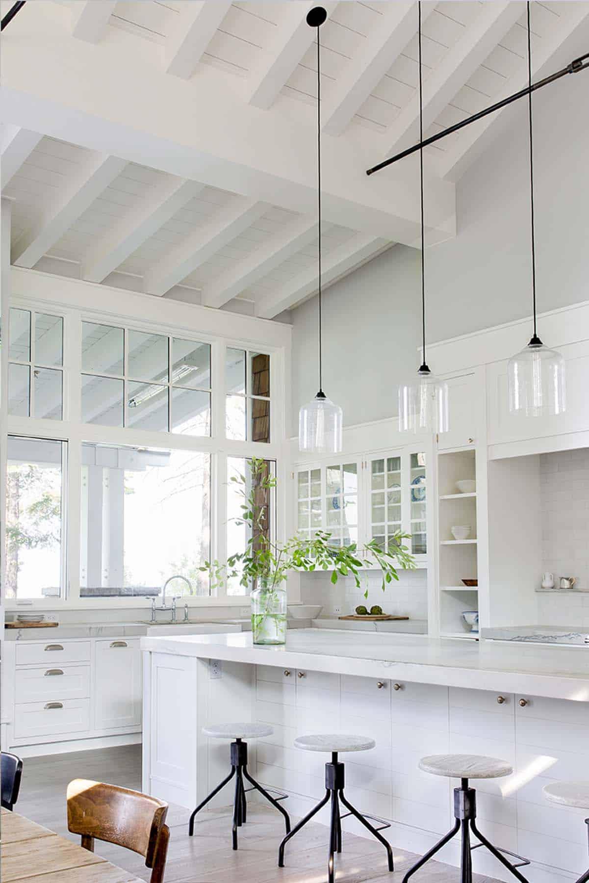 transitional-style-kitchen-lake-tahoe