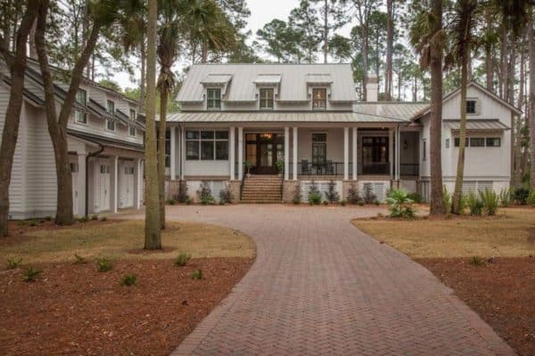 featured posts image for Modern meets traditional in this inviting Lowcountry river house