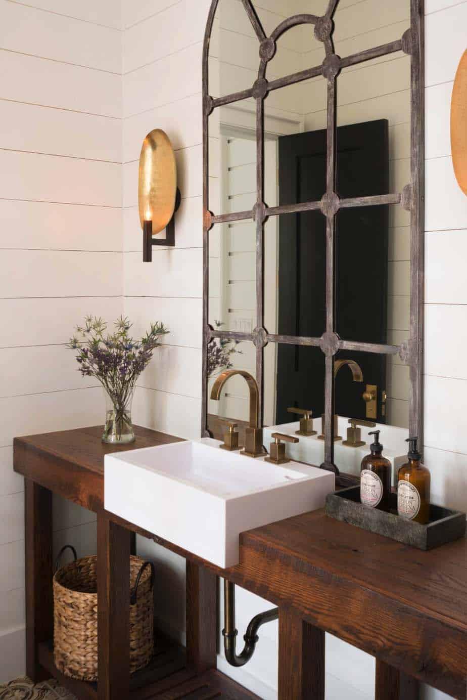 farmhouse-powder-bathroom