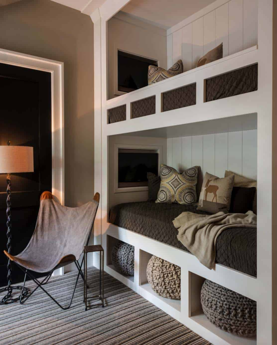 transitional-bunk-bedroom