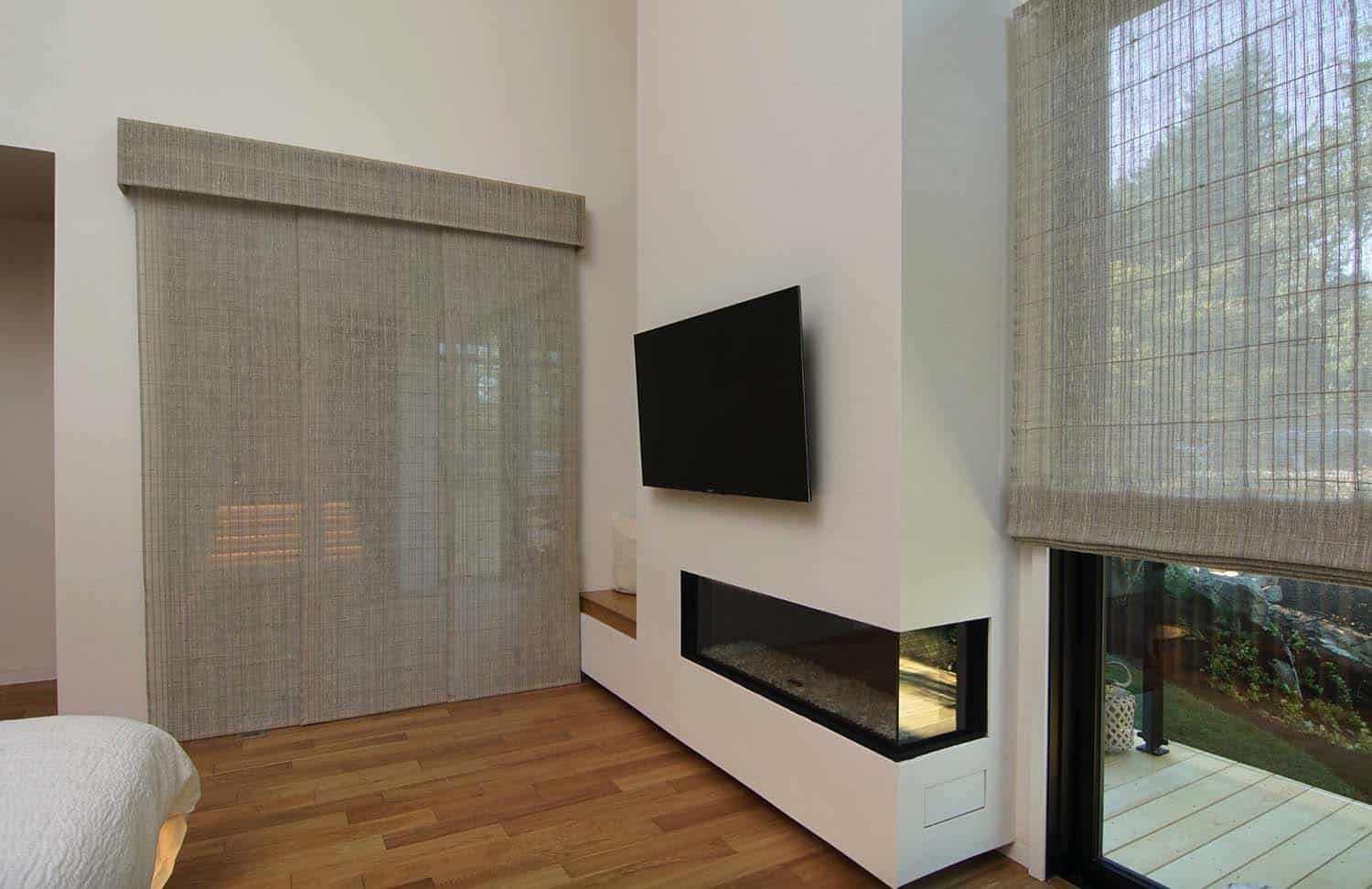 asian-contemporary-bedroom-fireplace