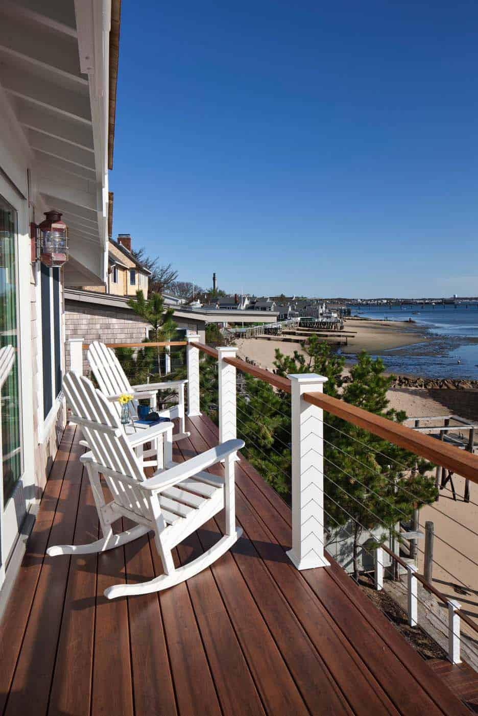 beach-house-beach-style-balcony