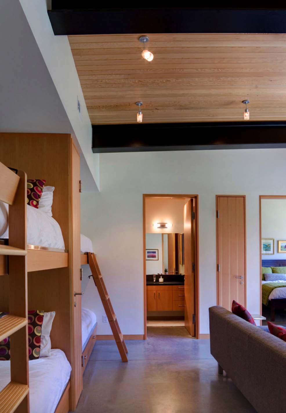 contemporary-bunk-bedroom