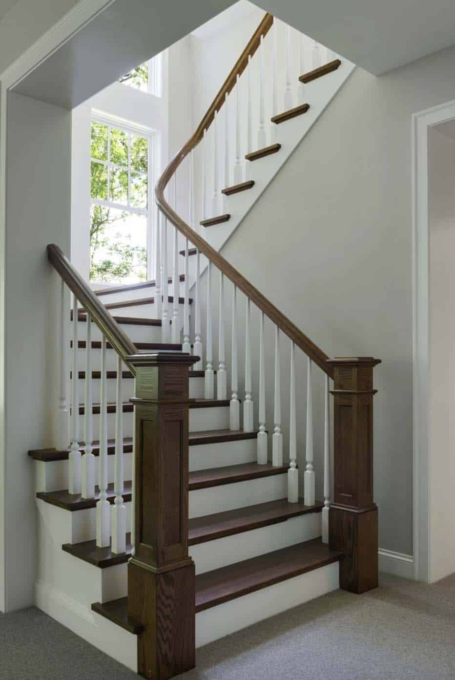 midwest-home-luxury-tour-beach-style-staircase