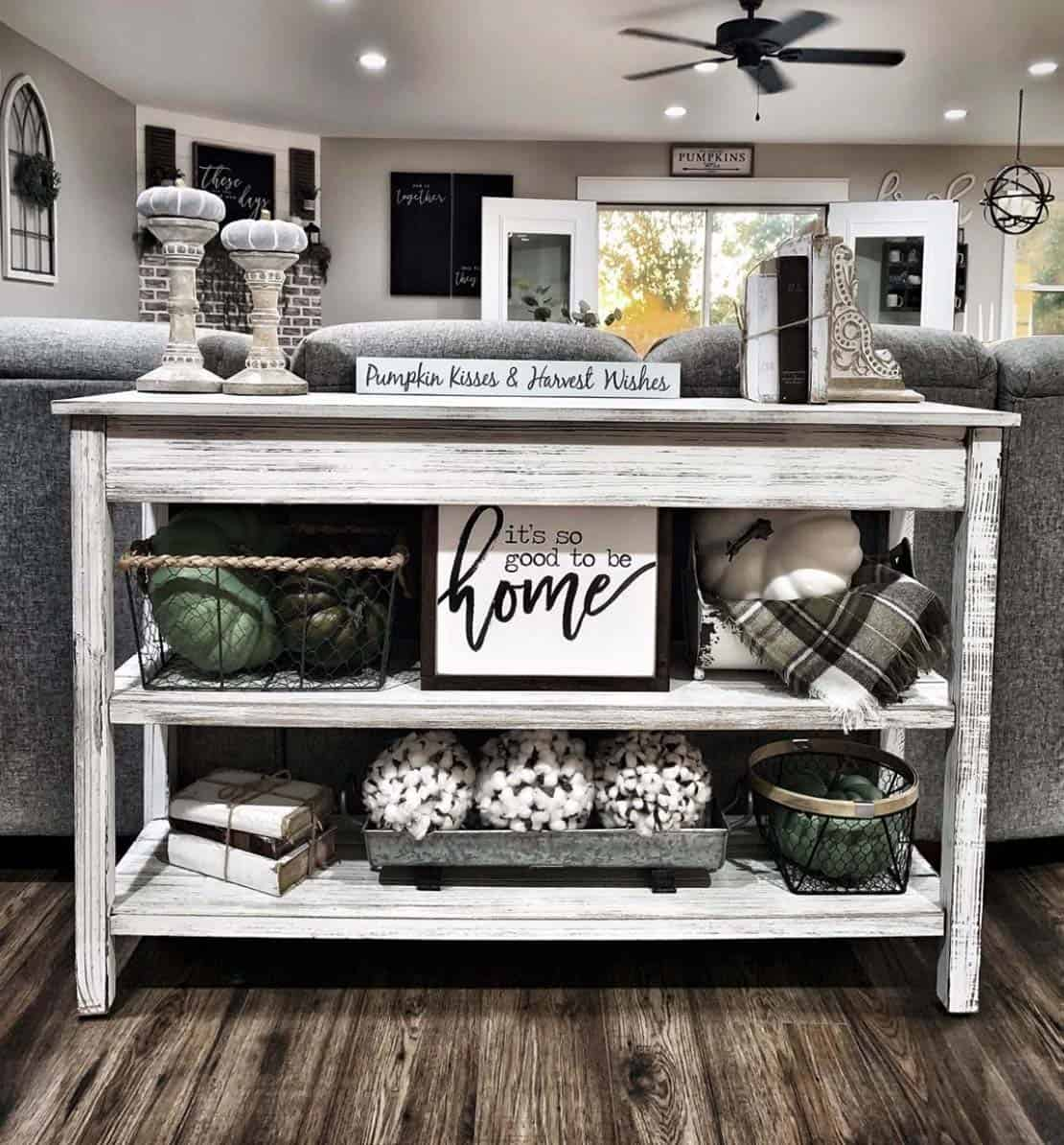 cozy-farmhouse-fall-decor-living-room-console-table