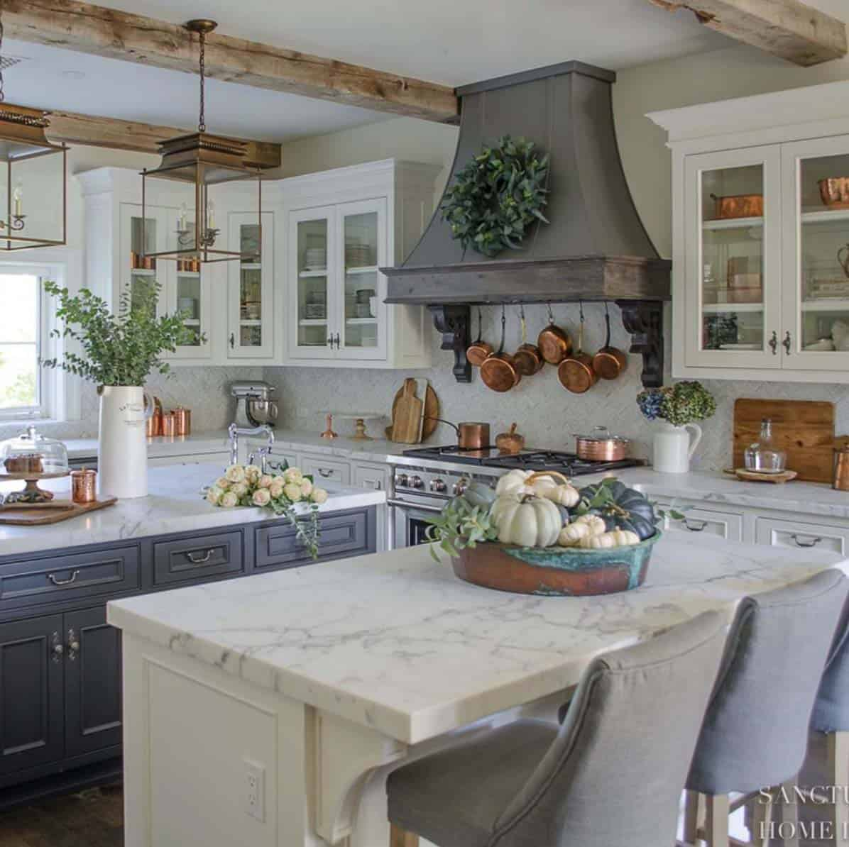 cozy-farmhouse-fall-decor-kitchen