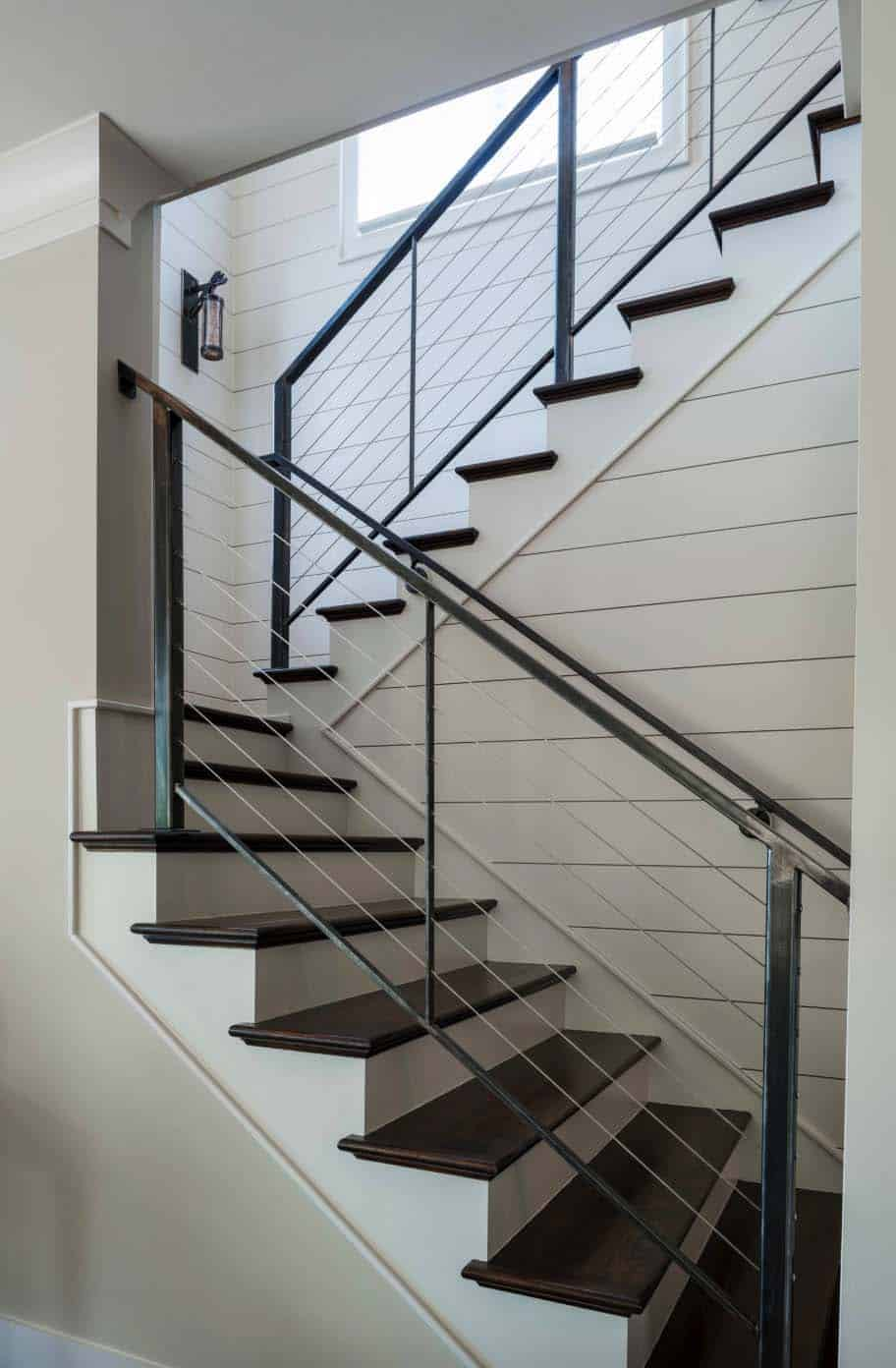 craftsman-style-staircase