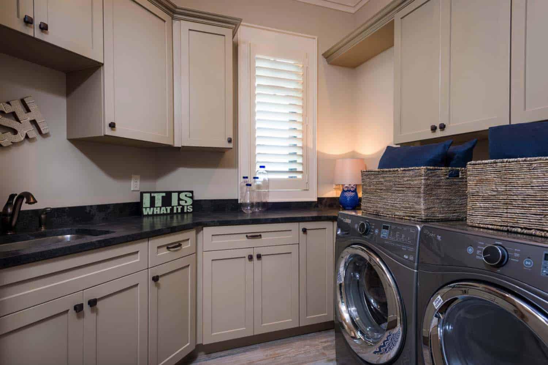 craftsman-style-laundry-room