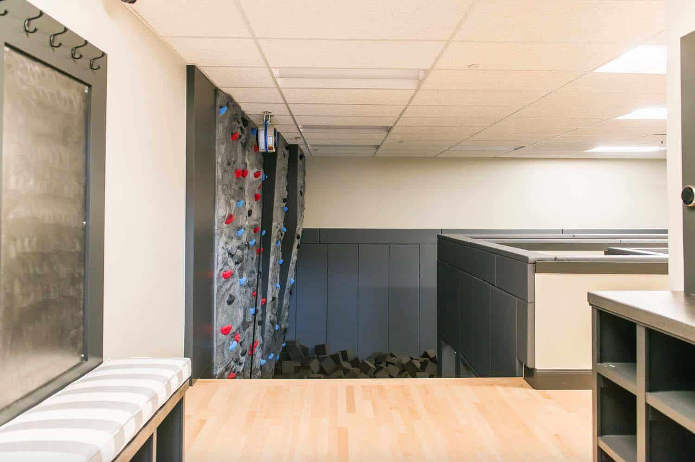 traditional-home-gym-climbing-wall