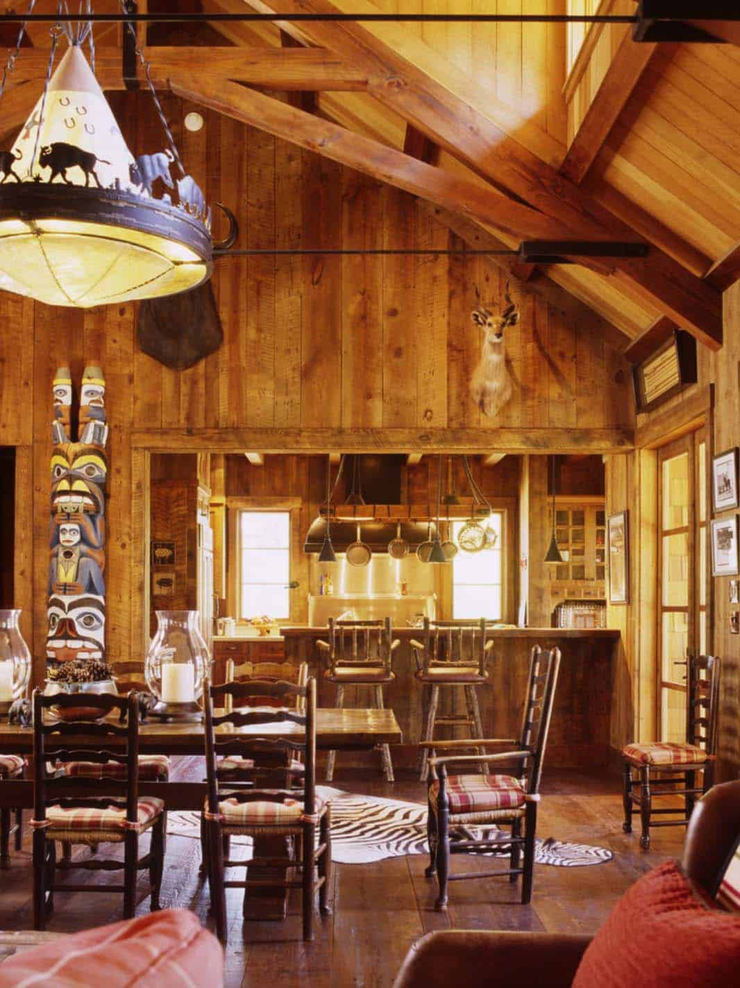 family-ranch-rustic-dining-room