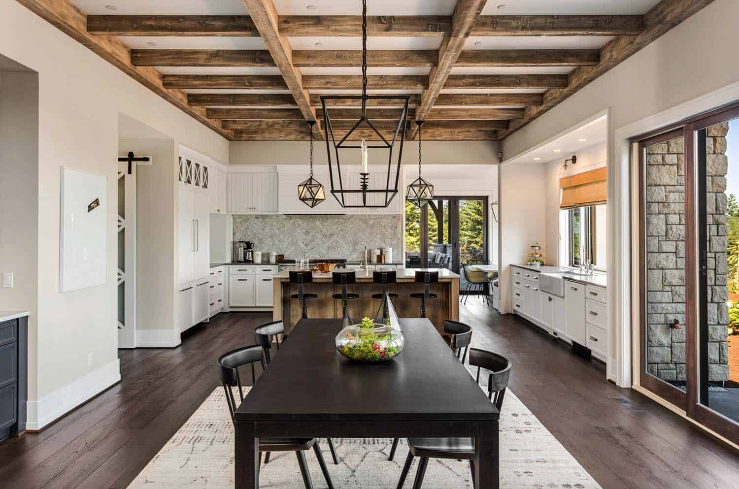 french-country-transitional-dining-room