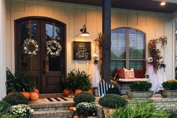 featured posts image for 20+ Dreamy Ideas For Decorating Your Front Porch For Fall