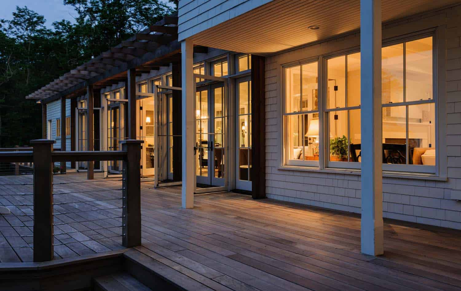 beach-cottage-beach-style-deck