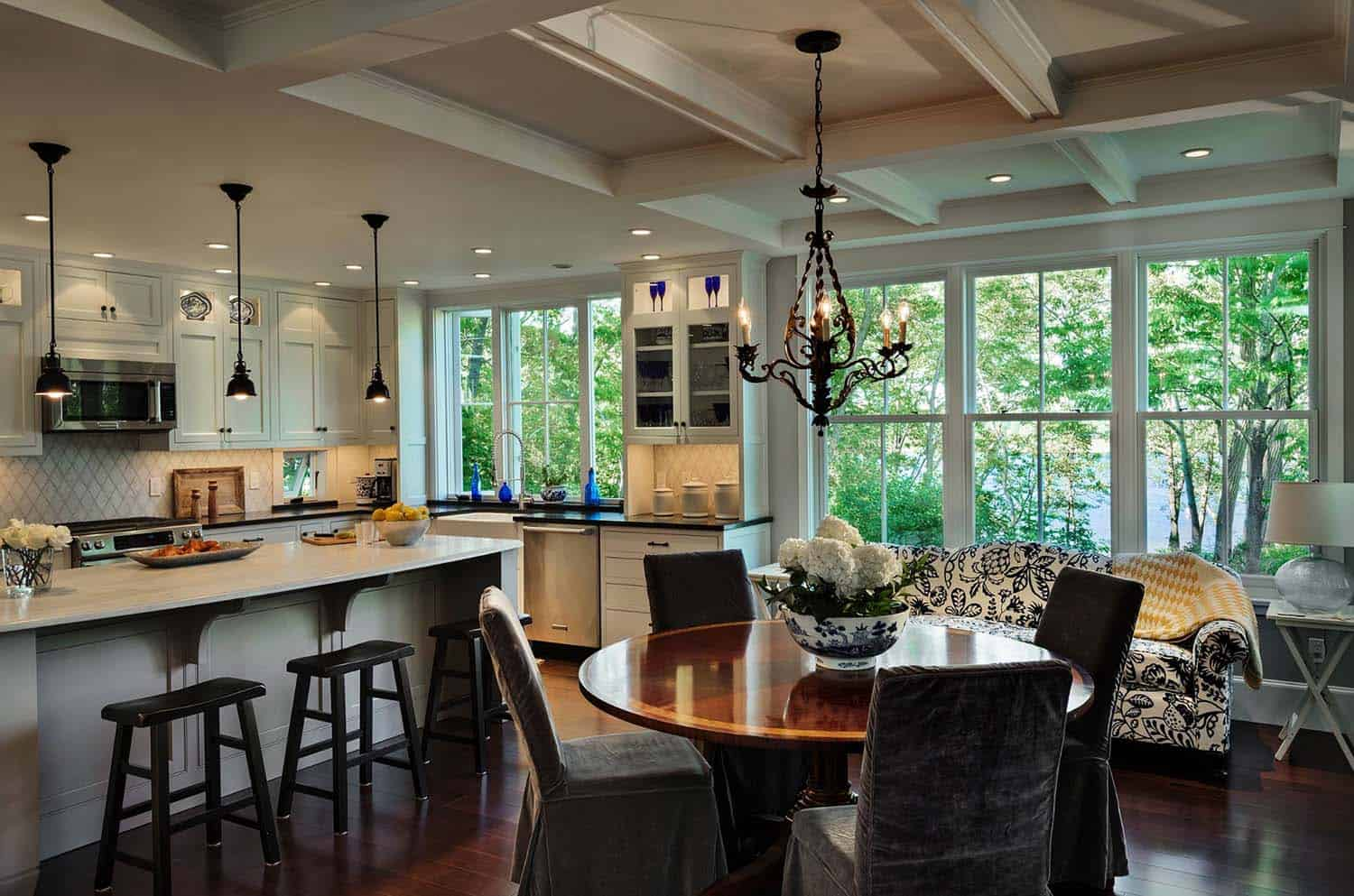 beach-cottage-beach-style-kitchen