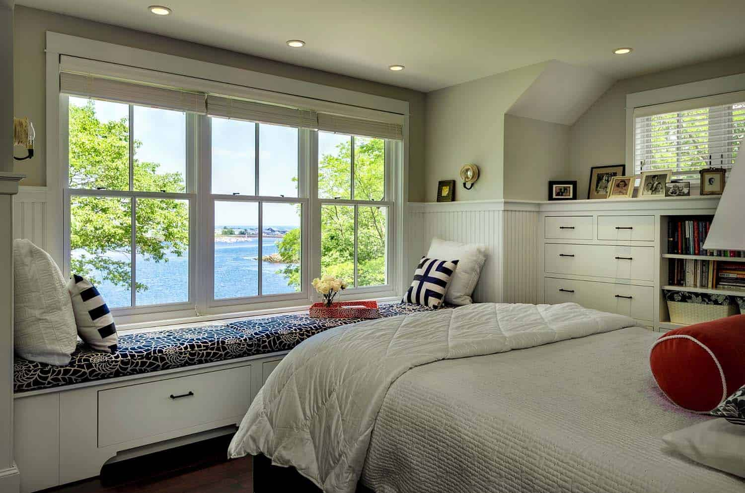 beach-cottage-beach-style-bedroom