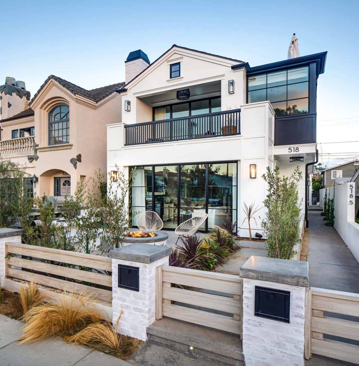 Southern California Beach House With Gorgeous Industrial