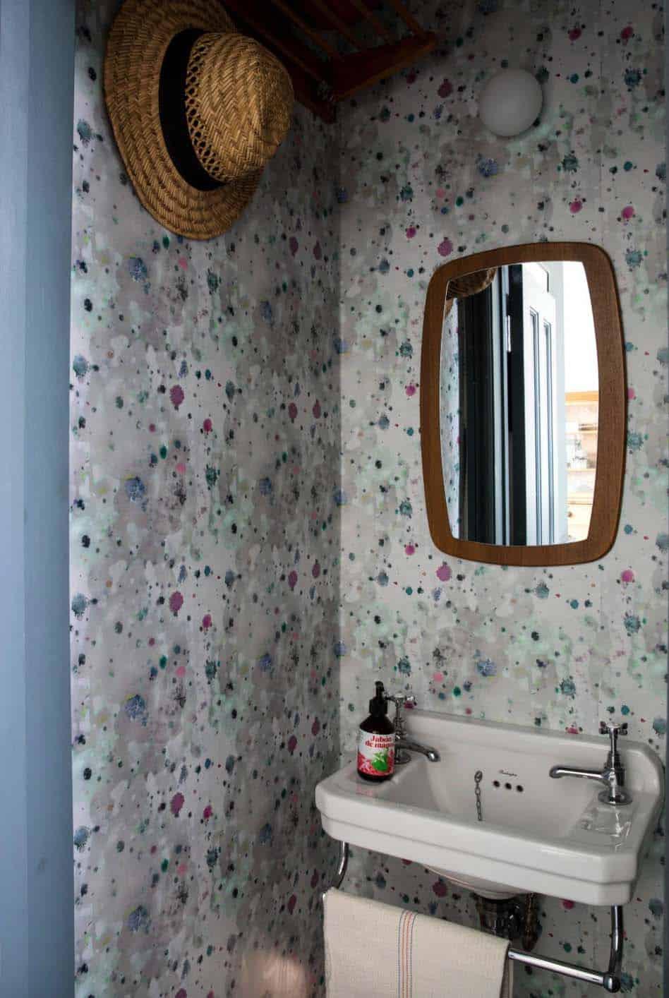cottage-industrial-powder-bathroom