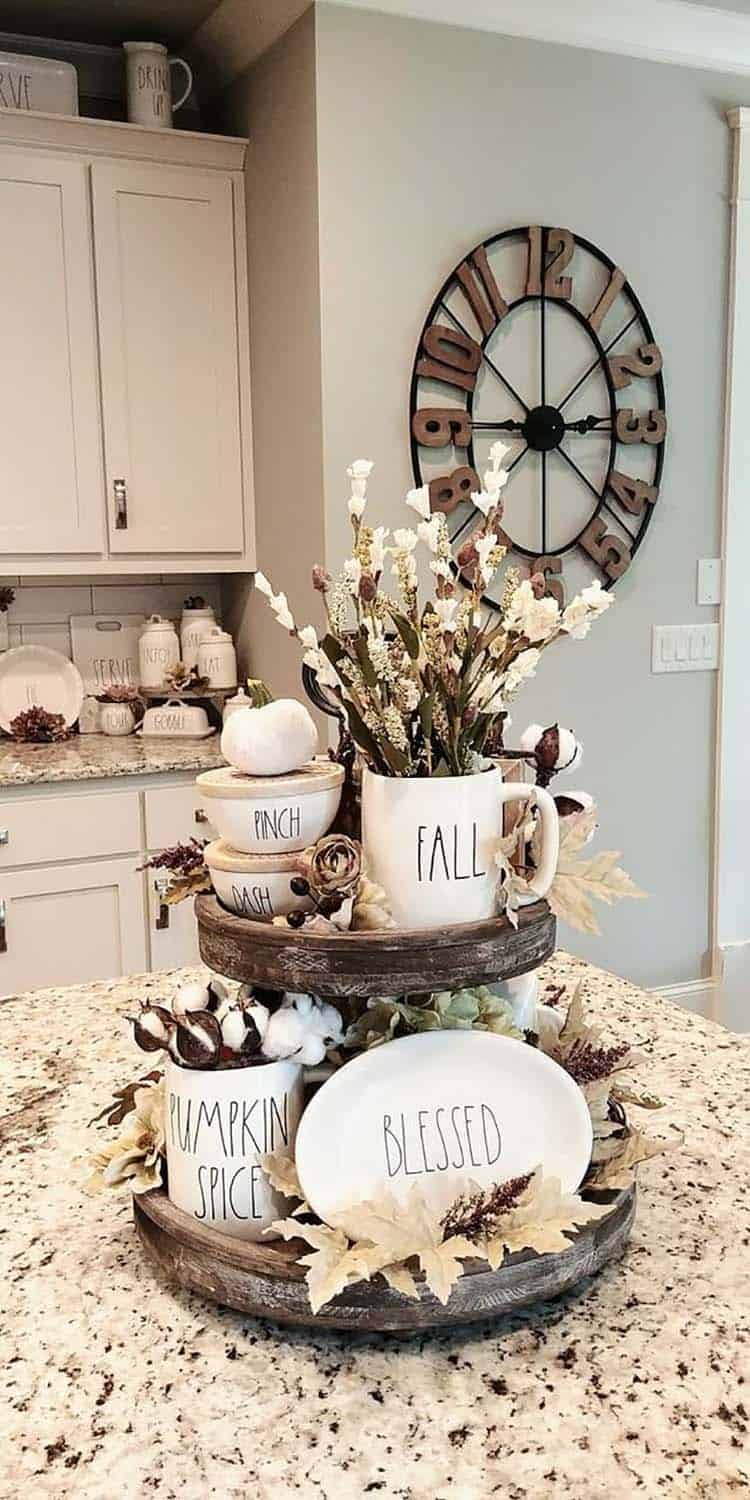 fall-kitchen-decorating-ideas-tiered-tray