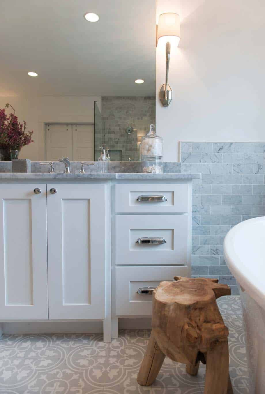 modern-craftsman-bathroom