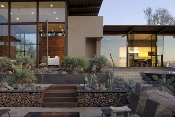 featured posts image for Impressive glass and steel dwelling immersed in the Sonoran Desert