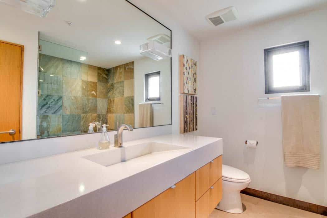 residence-contemporary-bathroom