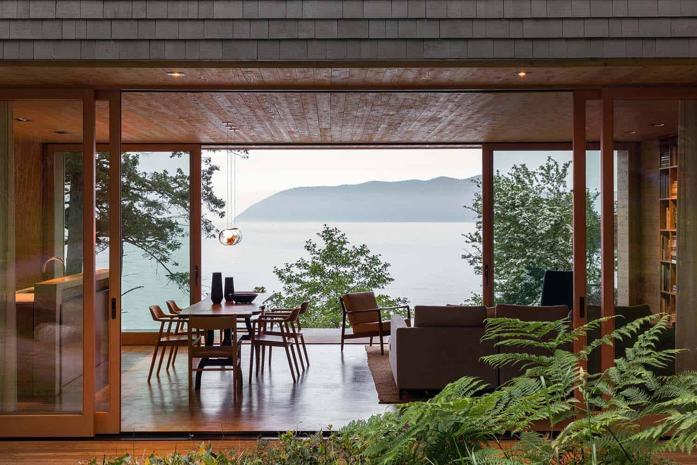 orcas-island-retreat-midcentury-living-room