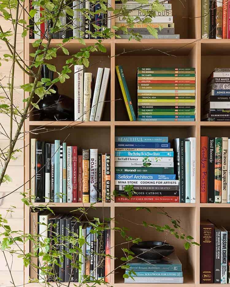 midcentury-living-room-bookcase
