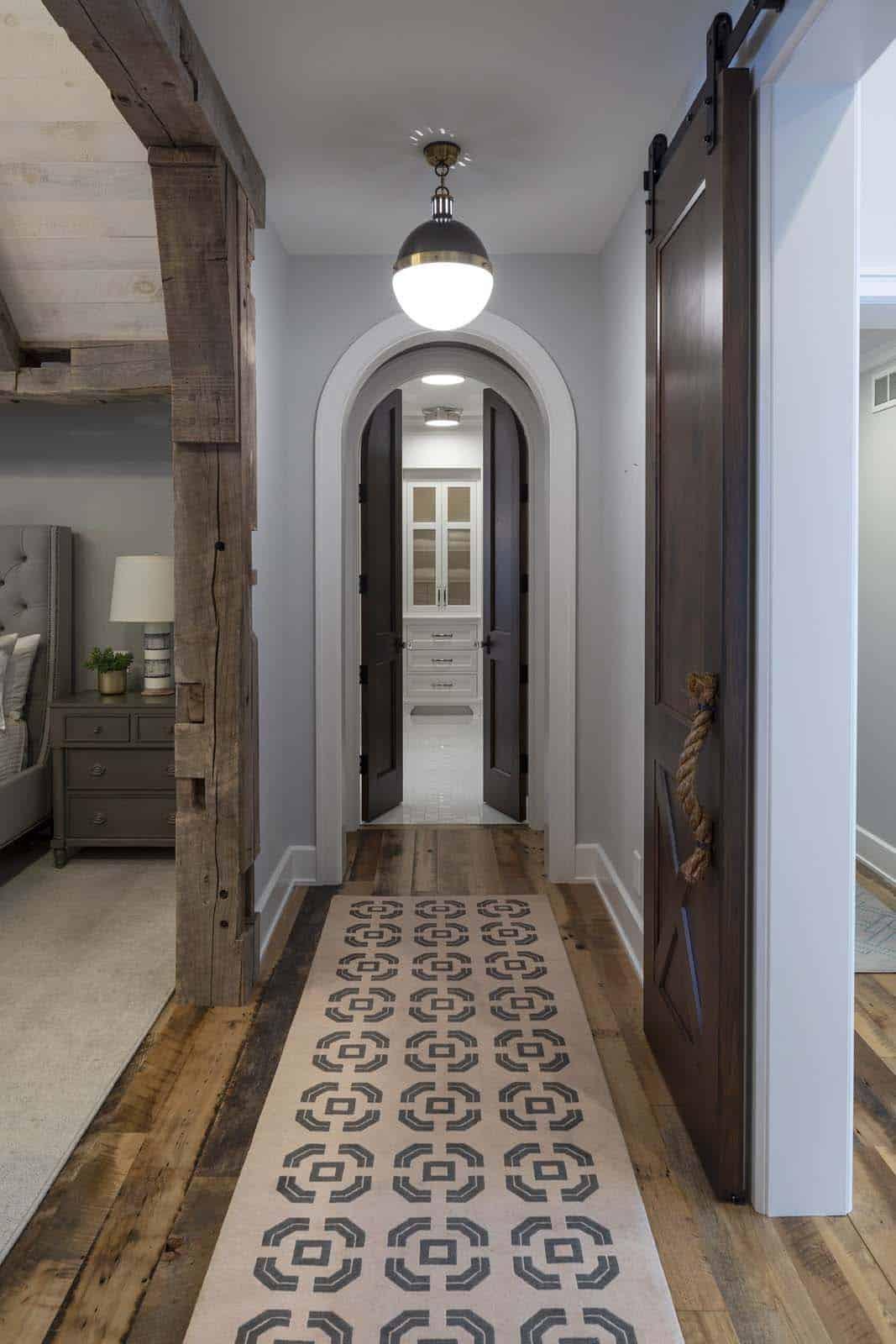 beach-style-hallway