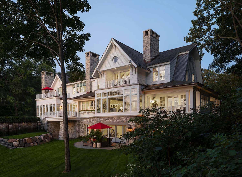 farmhouse-beach-style-exterior