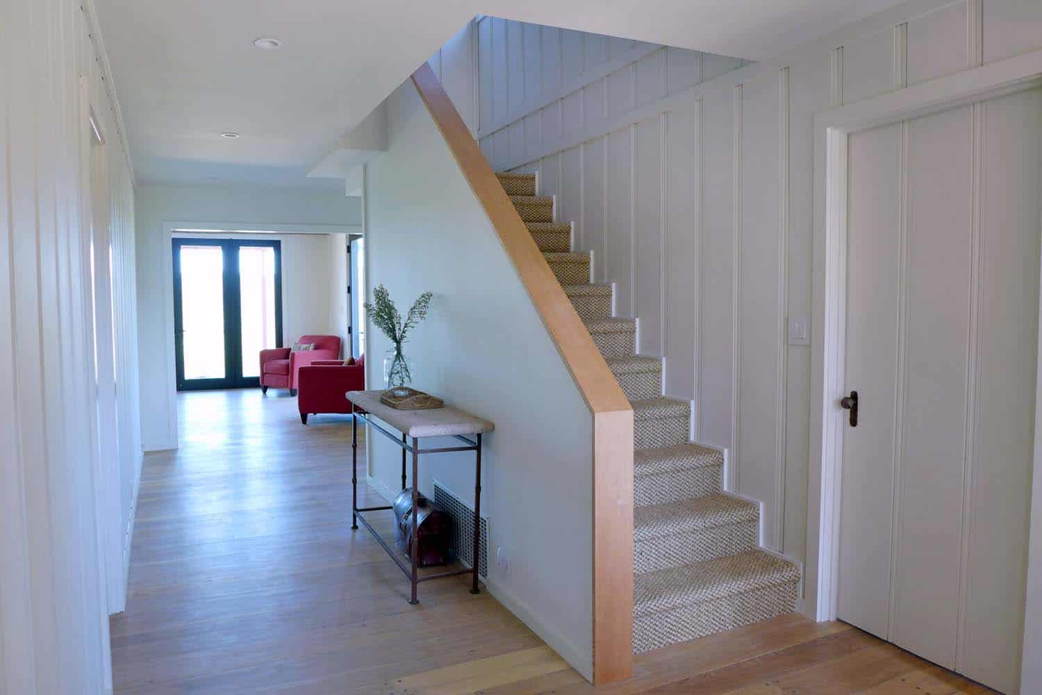 farmhouse-entry-staircase
