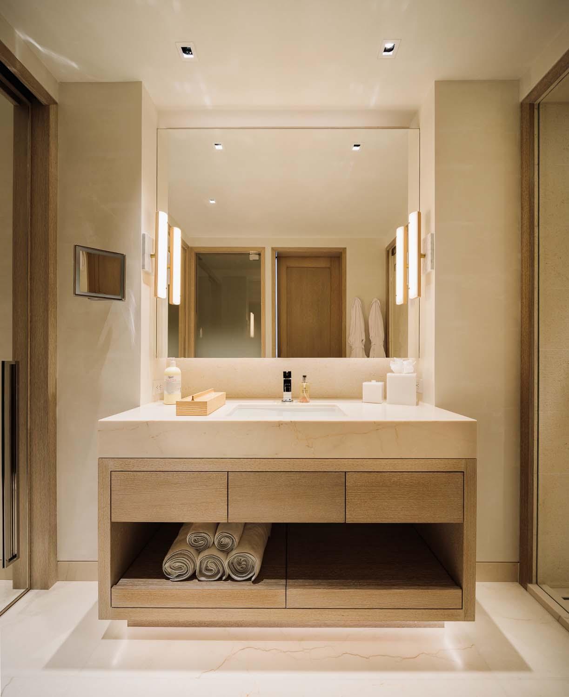 modern-mountain-home-bathroom