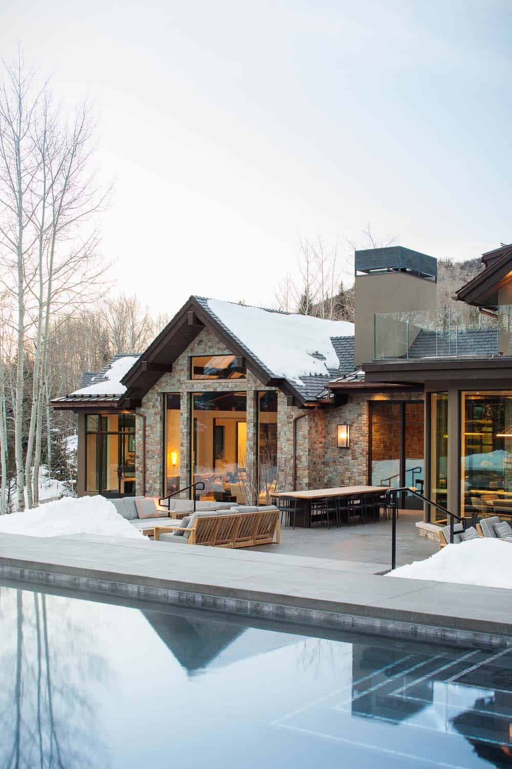 modern-mountain-home-outdoor-pool