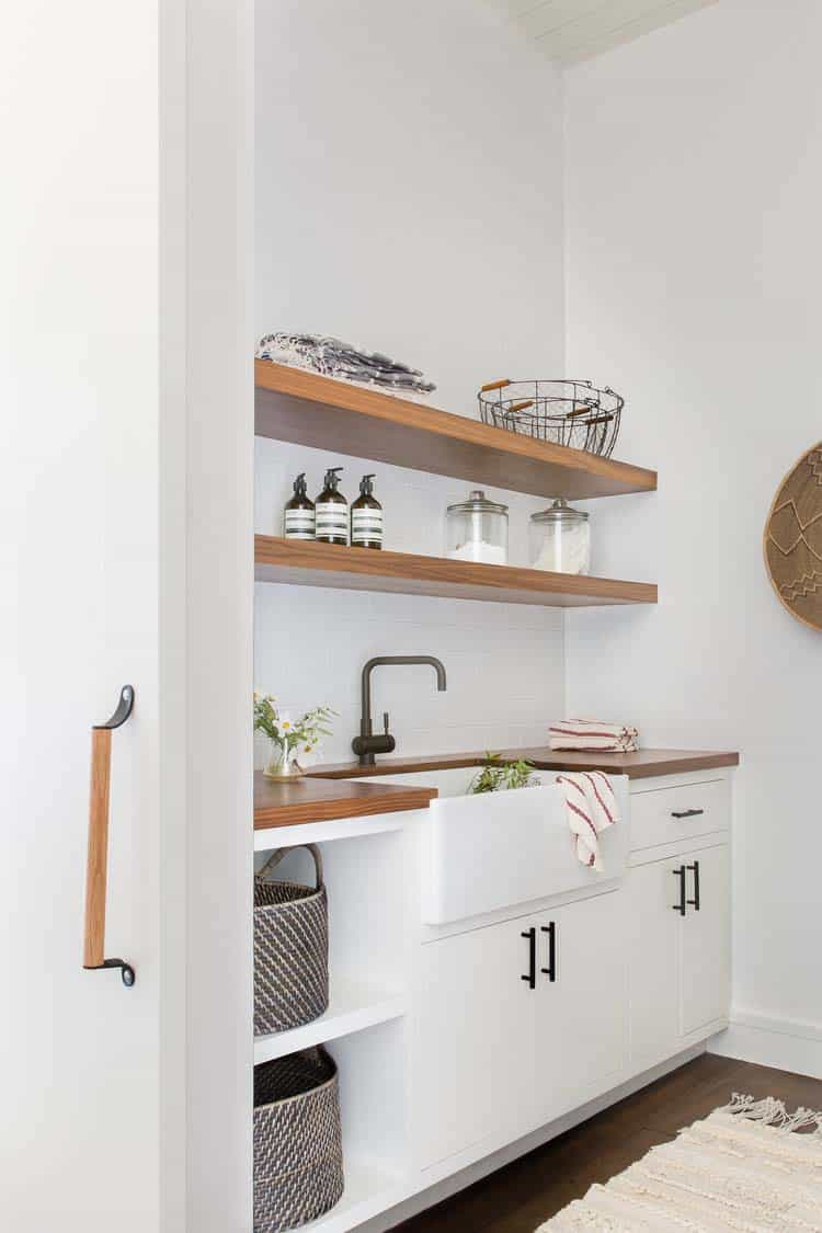modern-mountain-home-laundry-room