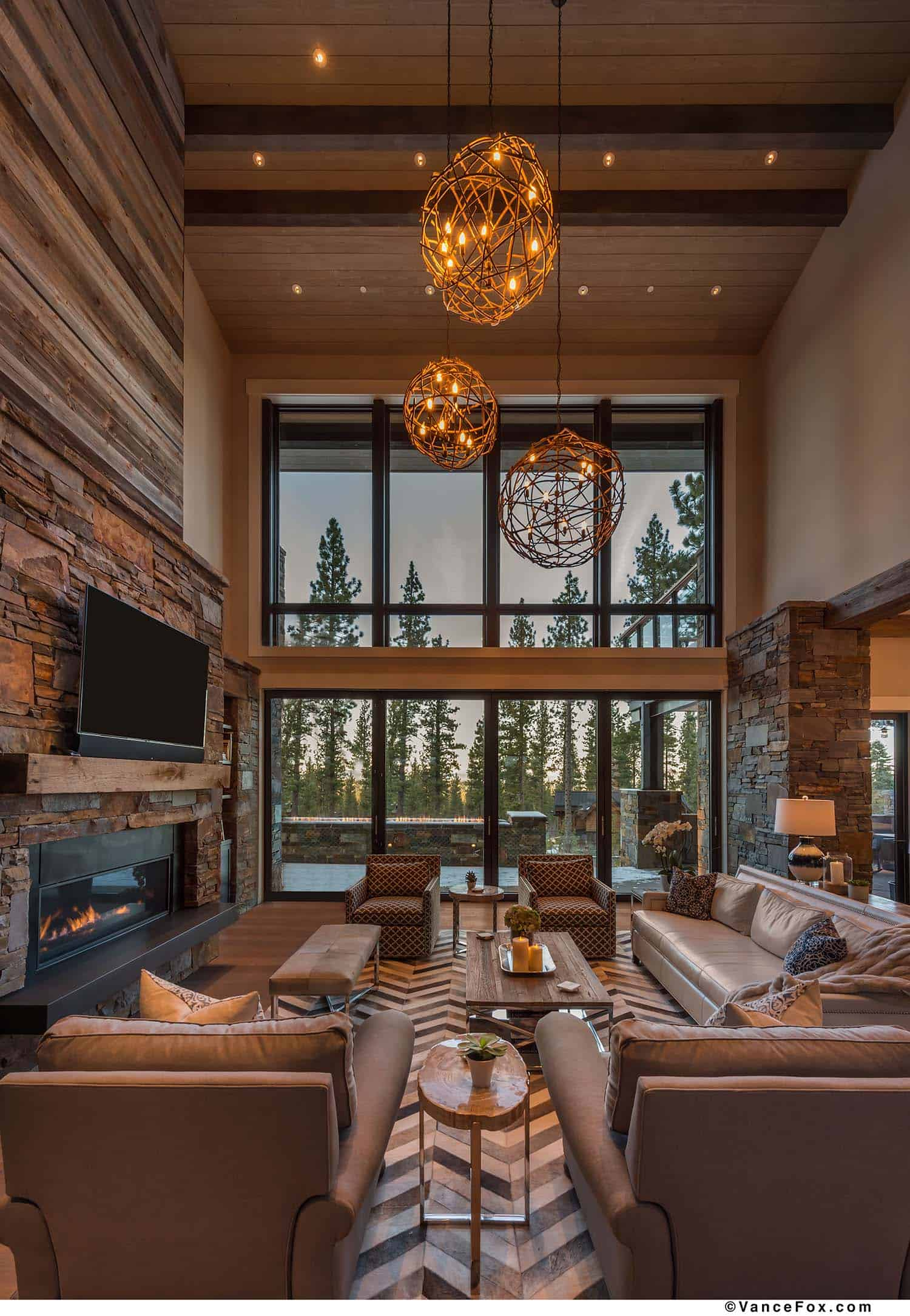 Brilliantly Designed Mountain Modern Cabin In California S High Sierra