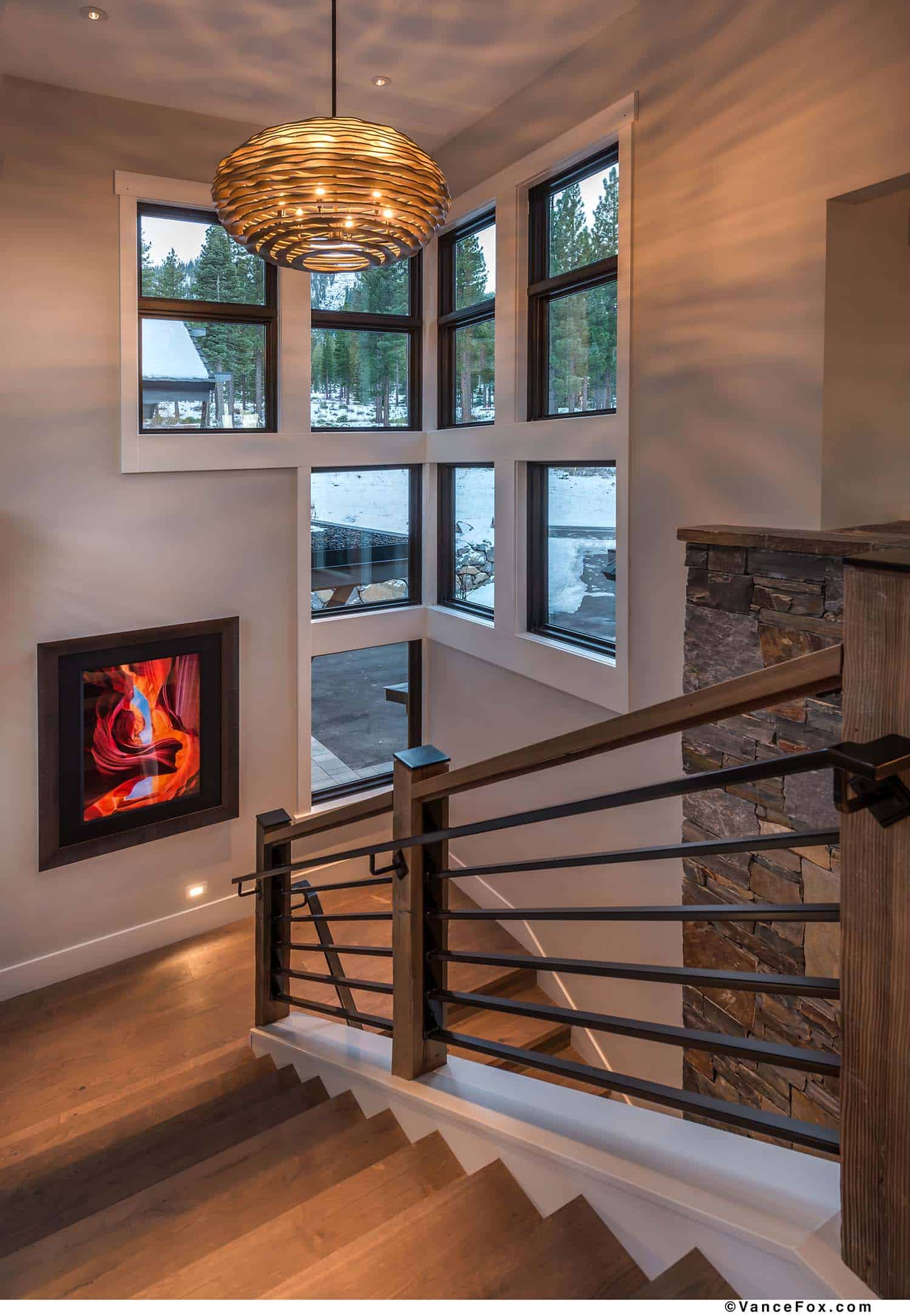 mountain-modern-cabin-staircase