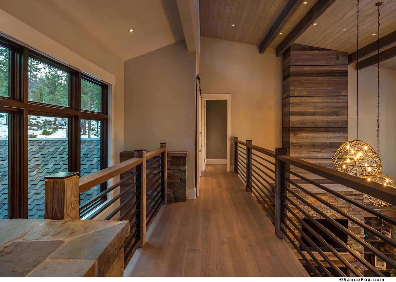 mountain-modern-cabin-hall