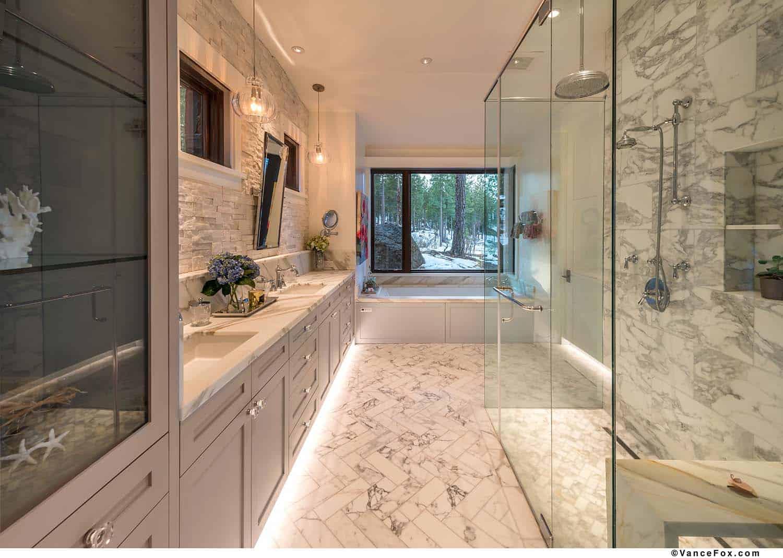 mountain-modern-cabin-bathroom