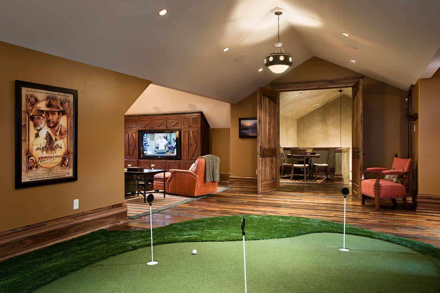 residence-rustic-indoor-putting-green